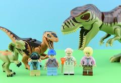 Movies minifigs #11 : Jurassic Park (Alex THELEGOFAN) Tags: lego legography minifigure minifigures minifig minifigurine minifigs minifigurines movie jurassic park john hammond elllie murphy lex tim trex raptor dino dinosaur dilophosaur