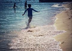 Run baby run (Mister Blur) Tags: garbage runbabyrun run 02022020 running free beach sand sea waves decisive moment rivieramaya playadelcarmen corriendo libre playa arena mar olas momento decisivo nikon d7100 55200mm nikkor lens high speed shutter snapseed rubén rodrigo fotografía