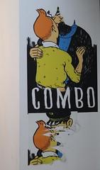 "Combo ""Censuré"" - Tintin & Hadock (Thethe35400) Tags: combo spacejunkbayonne artderue arteurbano arturbain arturbà arteurbana calle fresque grafit grafite grafiti graffiti graffitis graff mural murales muralisme plantilla pochoir stencil streetart schablone stampino tag urbanart wall baiser kiss musu bacio kuss petó basgiatu beso beijo"