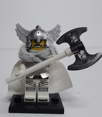 JARL HARALD (krisdecatte) Tags: lego medieval minifigurines custom viking