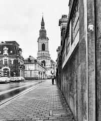 Cambrai, l'église St Géry par la gde rue Fénelon (PATRICK skorzec) Tags: cambrai noiretblanc personne patrimoine rue stgéry hautsdefrance architecture fujixt3