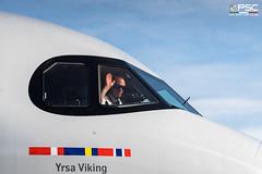 DSC_8764 (GLC Photo Press) Tags: salutations pilot cabin cockpit d500 seroy sas scandinavianairlinesairbus a320251n a320neo msn9316 daubt lowi inn innsbruckflugplatz innsbruckflughafen nikon nikondslr newlivery yrsaviking airbus scandinavianairlines scandinavianairlinessystem