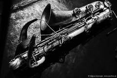 Sax von Mats Gustafsson (jazzfoto.at) Tags: sony sonyalpha sonyalpha77ii sonya77m2 wwwjazzfotoat wwwjazzitat jazzitmusikclubsalzburg jazzitmusikclub jazzfoto jazzphoto jazzphotographer markuslackinger jazzinsalzburg jazzclubsalzburg jazzkellersalzburg jazzclub jazzkeller jazz jazzlive livejazz konzertfoto concertphoto liveinconcert stagephoto greatjazzvenue downbeatgreatjazzvenue salzburg salisburgo salzbourg salzburgo austria autriche blitzlos ohneblitz noflash withoutflash concert konzert concerto concierto sw bw schwarzweiss blackandwhite blackwhite noirblanc biancoenero blancoynegro zwartwit pretoebranco