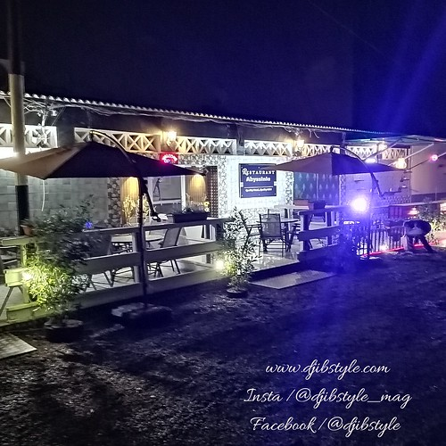 Amateur de cuisine éthiopienne? Le restaurant Abyssinia est une des meilleures adresses que je puisse vous conseiller !!! . . . #travelphotograhy #travel #Djibouti #Weekend #Eastafrica #nightlife #Night #whereisthisplace  #Africa #restaurant #ethiopiancui