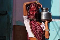 India- Rajasthan- Chanod (venturidonatella) Tags: india rajasthan asia chanod portrait ritratto persone people gente gentes colori colors nikon street strada streetportrait streetlife streetphotography emotion emozione d300 nikond300 donna donne woman women