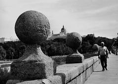...puente de Segovia... (Quintín Noriega) Tags: madrid mamiya mamiyam645 80mm reveladocasero medioformato rodinal standdevelopment 6x45