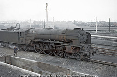 1965 - Ash and Grime.. (Robert Gadsdon) Tags: pacific a1 1965 foxhunter 60134 lnerbr pappercorn ashpits nevillehilllocoshed steam withdrawn scrapped closedtosteam depotstillinuse