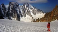 Pour le souvenir... en remontant le glacier des Améthystes (Yvan LEMEUR) Tags: alpinisme alpes chamonix extérieur hautesavoie mountain montagne glacier glace glacierdesaméthystes neige aiguilleverte lescourtes lesdroites glacierdargentière france hautemontagne massifdumontblanc montblanc