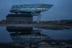 havenhuis [I] (dadiolli) Tags: stadtbezirkantwerpen provinzantwerpen belgien belgium antwerpen antwerp architecture zahahadid architektur bluehour portauthority havenhuis