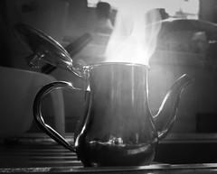 Coffee aroma (Antonio Piccialli) Tags: 2020 febbraio lumix dmclx100 panasonicdmclx100 panasonic cucina kitchen elaborazione explore explored fluidr fluidrexplored flickr flickrclickx bn blackwhite bwartaward bianconero blackandwhite bw reflections reflex dettaglio caffettiera