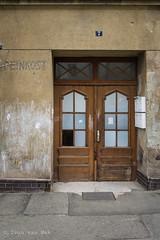 Herderstraße, Gera (Ivan van Nek) Tags: gera thüringen deutschland herderstrase nikond7200 doorsandwindows ramenendeuren portesetfenêtres door deur porte tür