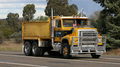The Internationals (1 of 3) (Jungle Jack Movements (ferroequinologist) all righ) Tags: inter international harvester ih yass haulin hauling hume historic vintage veteran sydney highway freeway transtar 4200 holdsworth cooma taylor redcastle 4070 d195 hp horsepower big rig haul freight cabover trucker drive transport carry delivery bulk lorry hgv wagon road nose semi trailer deliver cargo interstate articulated vehicle load freighter ship move motor engine power teamster truck tractor prime mover diesel injected driver cab cabin loud wheel exhaust double b australia australian