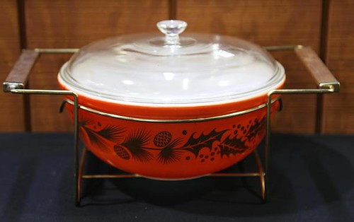 Promotional Holiday Golden Leaf Pyrex Casserole Dish with Stand ($67.20)