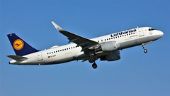 D-AIUC (AnDyMHoLdEn) Tags: lufthansa lufthansagroup a320 staralliance egcc airport manchester manchesterairport 23l