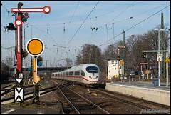 403 in Hanau, Germany (Nahebahner_JL) Tags: ice 3 hanau hbf hauptbahnhof hessen germany deutschland signal fernverkehr deutsche bahn db stellwerk gleise bahnsteig zug train inter city express