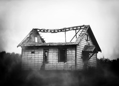 Ghost house (Missing Pictures) Tags: fog ruins explored explore bw construction roof decay urbex destruction mood monochrome ghost house abandoned travel traveling atmospheric atmosphere dark white black blackandwhite russia north