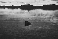 So this song will end (.KiLTЯo.) Tags: kiltro cl chile lagoblanco magallanes patagonia tierradelfuego landscape water lake mountain volcano rocks boulders waves reflection nature clouds