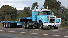 Blue Brothers (2 of 2) (Jungle Jack Movements (ferroequinologist) all righ) Tags: light blue mack r600 b61 thermodyne b613s yass hume highway freeway melbourne sydney haulin hauling veteran vintage classic history historical hp horsepower big rig haul freight cabover trucker drive transport carry delivery bulk lorry hgv wagon road nose semi trailer deliver cargo interstate articulated vehicle load freighter ship move motor engine power teamster truck tractor prime mover diesel injected driver cab cabin loud wheel exhaust double b australia australian