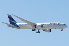 CC-BGN | LATAM Airlines Chile | Boeing B787-9 Dreamliner | CN 38468 | Built 2017 | MAD/LEMD 26/09/2019 (Mick Planespotter) Tags: aircraft airport aviation avgeek avion flugzeuge 2019 flight b787 b789 adolfosuárez madrid madridbarajas barajas plane planespotter airplane aeroplane ccbgn latam airlines chile boeing b7879 dreamliner 38468 2017 mad lemd 26092019 nik sharpenerpro3 canon eos 80d