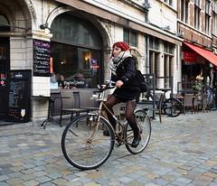 Serious #135 (jdel5978) Tags: candid bike vélo fiets street