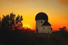 Little church in the sunset / Kis templom a naplementében (Ibolya Mester) Tags: hungary magyarország öskü church rotunda hill outdoor sunset canon canoneos600d color colors