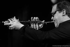 Rob Mazurek: trumpet, electronics (jazzfoto.at) Tags: sony sonyalpha sonyalpha77ii sonya77m2 wwwjazzfotoat wwwjazzitat jazzitmusikclubsalzburg jazzitmusikclub jazzfoto jazzphoto jazzphotographer markuslackinger jazzinsalzburg jazzclubsalzburg jazzkellersalzburg jazzclub jazzkeller jazz jazzlive livejazz konzertfoto concertphoto liveinconcert stagephoto greatjazzvenue downbeatgreatjazzvenue salzburg salisburgo salzbourg salzburgo austria autriche blitzlos ohneblitz noflash withoutflash concert konzert concerto concierto sw bw schwarzweiss blackandwhite blackwhite noirblanc biancoenero blancoynegro zwartwit pretoebranco portrait retrato portret ritratto portrét