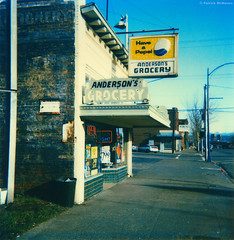 Anderson's Grocery - Everett - Washington State (Electric Crayon) Tags: pacificnorthwest washingtonstate snohomishcounty everett grocery signs city analog polaroid sx70 timezeroprocess 1990s scan electriccrayon patrickmcmanus anderson's andersons