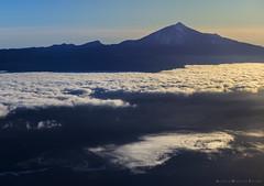 3.718 (Alexis Martín Fotos) Tags: teide binter ventanilla avión tenerife blue azul clouds nubes atlántico atlantic nikonz6 z6 nikon volcán