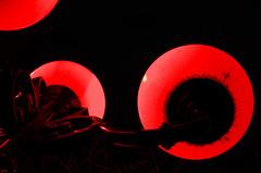 Bourgeons (Atreides59) Tags: lyon rhone rhône alpes rhônesalpes auvergne auvergnerhônealpes urban urbain fête lumière lumières fêtedeslumières light festival sculpture street ciel sky nuages clouds pentax k30 k 30 pentaxart atreides atreides59 cedriclafrance nuit night rouge red