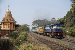 IR 11199 Madgaon,Goa/India (Gridboy56) Tags: wdm3d india coach coaches 56964 madgaon kulem vascodagama goa 11199 locomotive locomotives trains train railways railroad railfreight alco marutitemple