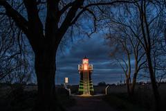 Leuchtturm Bunthäuser Spitze (Elbmaedchen) Tags: leuchtturm bunthäuserspitze hamburg norderelbe süderelbe unterwegsmitmichael elbinsel moorwerder lighthouse blauestunde
