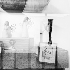 double exposure 6989 (johngpt) Tags: lamps candlestick appleiphone7plus angels doubleexposure angelwings hipstamatic lowylensblackeysxffilmnoflash tpfbwdoubleexposurechallenge donnerstagsmonochrom thursdaymonochrome