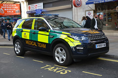 V999FAR (Emergency_Vehicles) Tags: v999far first aid response land rover discovery london