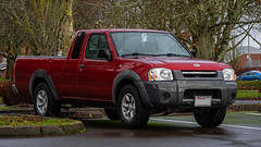2001 Nissan Frontier (mlokren) Tags: 2020 car spotting photo photography photos pic picture pics pictures pacific northwest pnw pacnw oregon usa vehicle vehicles vehicular automobile automobiles automotive transportation outdoor outdoors 2001 nissan frontier pickup truck king extended cab red