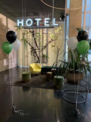Tafeldecoratie 3ballonnen Gronddecoratie NH Hotels NHOW Rotterdam