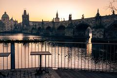 Prague Pont Charles (denis.fleurot) Tags: prague républiquetchèque tchéquie capitale pont pontcharles leverdesoleil sunrise couleurchaude cz vltava praha