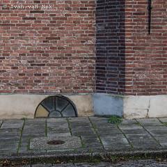 Vollerswaal, Hoorn (Ivan van Nek) Tags: vollerswaal hoorn noordholland nederland nikond7200 nikon d7200 northholland dieniederlande thenetherlands paysbas doorsandwindows ramenendeuren portesetfenêtres raam window fenêtre wall muur
