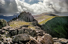 "Castell y Gwynt (""Castle of the Winds"") (Robert J Heath) Tags: greatbritain wales uk unitedkingdom snowdonianationalpark rocks rocky ridge top pinnacles boulders summit grass path track landscape 3000ft"
