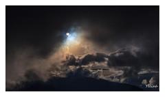 Lever de rideau.... (Ylliab Photo) Tags: ylliabphoto ylliab paysage photographie landscape lepaysagesimplement lumiére soleil nuages mountain france alpes vercors