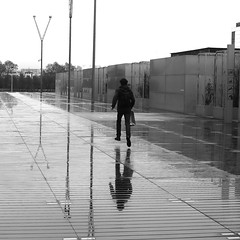 Above the ground (pascalcolin1) Tags: man homme reflection sol rain pluie reflets paris13 ground streetview photoderue urbanarte blackandwhite canon 50mm noiretblanc photopascalcolin canon50mm