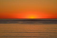 Hirtshals (Massimo Frasson) Tags: kodak kodakelitechromeextracolor danimarca denmark danemark danmark jutland jylland jütland regionnordjylland jutlandsettentrionale hirtshals mare sea cielo tramonto sole giallo rosso onde riflessi