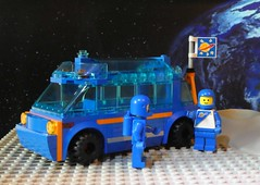Lunar Camping Van - Febrovery 2020-07 (captain_j03) Tags: toy spielzeug 365toyproject lego minifigure minifig moc febrovery space rover car auto camper van moon mond