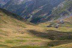 Ombres et lumières (dominique 15) Tags: montagne pourtalet frontiere pyrenees