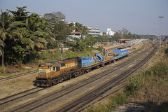 IR 13197 Madgaon,Goa/India (Gridboy56) Tags: india wdg3a 13197 verna madgaon wagons electric railways railroad railfreight trains train locomotive locomotives coach coaches goa konkanrailway