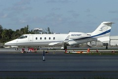 Learjet 60XR N229BP (c/n 60-320) (Gavin Livsey) Tags: kfll learjet60 learjet n229bp