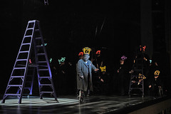 Rigoletto and the masked chorus