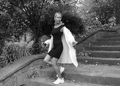 Diana Khramenok, russa, busca feina a Barcelona. Fotografiar-la ha estat un plaer. Foto feta al Parc de la Ciutadella, Barcelona. (heraldeixample) Tags: heraldeixample bcn barcelona spain espanya españa spanien catalunya catalonia cataluña catalogne catalogna dona woman mujer frau femme fenyw bean donna mulher femeie 女人 kadın женщина หญิง boireannach kobieta maca bella pretty guapa jolie beautiful belle fermosa 美しい女性 frumoasă 美丽的女人 jente 女孩 κορίτσι somrís smile sonrisa sourire somriure lächein grin noia girl chica fille menina mädchen merch cailín ragazza pige девушка fată 女の子 ciutadella citadel ciudadela parc park parque ngc dianakhramenok albertdelahoz russa rusa russian русский