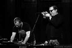 Mats Gustafsson: sax, electronics / Rob Mazurek: trumpet, electronics (jazzfoto.at) Tags: sony sonyalpha sonyalpha77ii sonyalpha77 wwwjazzfotoat wwwjazzitat jazzitmusikclubsalzburg jazzitmusikclub jazzfoto jazzphoto jazzphotographer markuslackinger jazzinsalzburg jazzclubsalzburg jazzkellersalzburg jazzclub jazzkeller jazz jazzlive livejazz konzertfoto concertphoto liveinconcert stagephoto greatjazzvenue downbeatgreatjazzvenue salzburg salisburgo salzbourg salzburgo austria autriche blitzlos ohneblitz noflash withoutflash concert konzert concerto concierto sw bw schwarzweiss blackandwhite blackwhite noirblanc biancoenero blancoynegro zwartwit pretoebranco portrait retrato portret ritratto portrét
