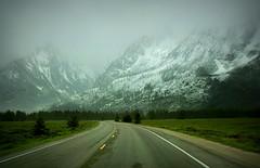 Fresh Snow - Grand Teton National Park, Wyoming (André-DD) Tags: wyoming usa unitedstatesofamerica grandtetonnationalpark nationalpark grandteton teton tetons road street strasse berge berg mountains mountain range