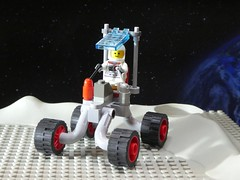 Noodle Rover - Febrovery 2020-08 (captain_j03) Tags: toy spielzeug 365toyproject lego minifigure minifig moc febrovery space rover car auto moon mond